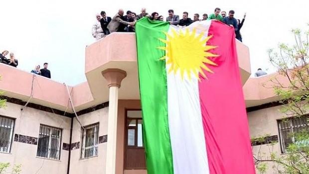 Encumena Parêzgeha Kerkûkê: Ala Kurdistanê danakeve