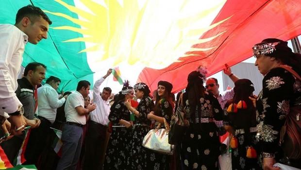 Dîplomatê Amerîkî: Fransa Kurdistaneke bihêz dixwaze