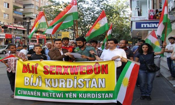 Faşist Türk Medyası Kürt Gençlerini Hedef Gösteriyor Nerina Azad