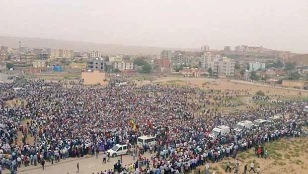 Cizre'de katledilenler onbinlerin katılımıyla toprağa verildi