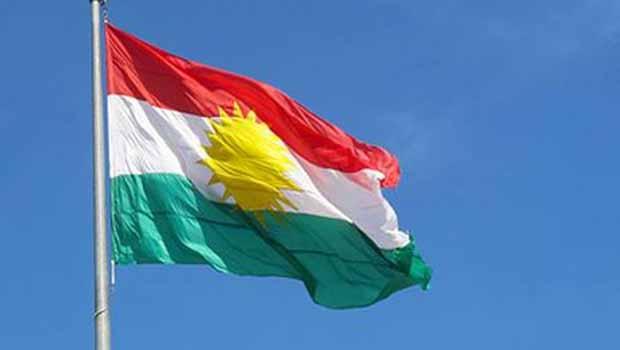 Peşmerge Şengal Merkezine ilk Kürdistan bayrağını dikti