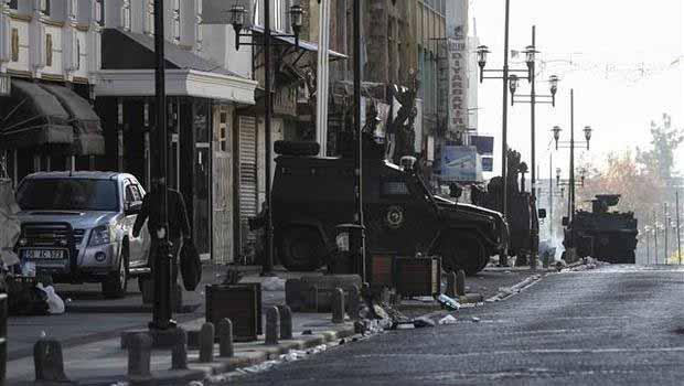 Sur'da 6 asker yaralandı