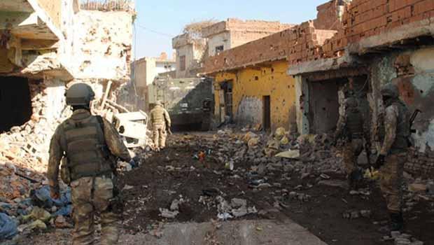 Sur'da çatışma ve patlama sesleri: 1'i ağır 3 asker yaralı