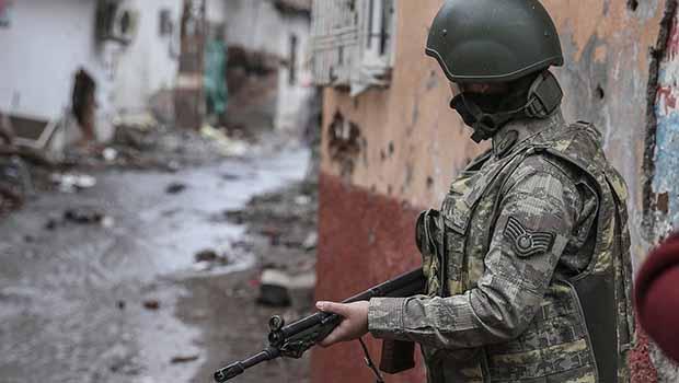 Sur'da çatışma: 2 asker hayatını kaybetti