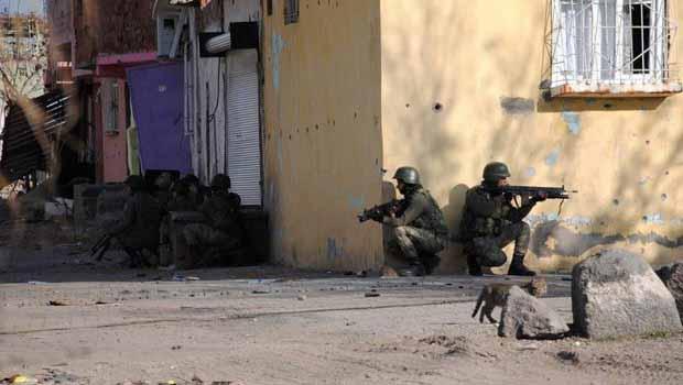 Sur'da 2 asker kanasla vuruldu