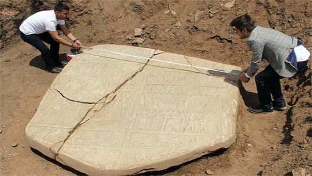 Elazığ'da 2700 yıllık rölyef bulundu