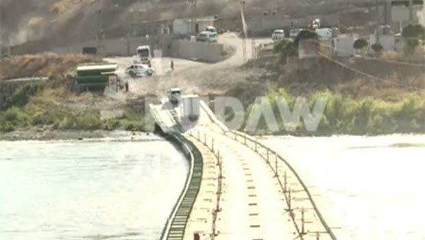 Kürdistan'dan 3 tonluk tibbi yardım Qamışloya ulaştırıldı