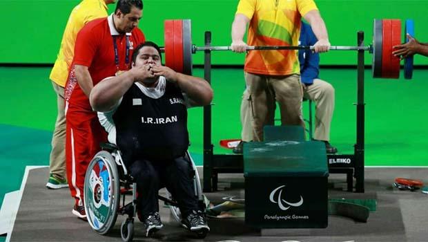 Kürd sporcudan Paralimpik Oyunları'nda dünya rekoru!
