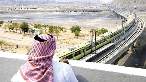 Suudi Arabistan'da 266,6 milyar dolarlık projeler durduruldu