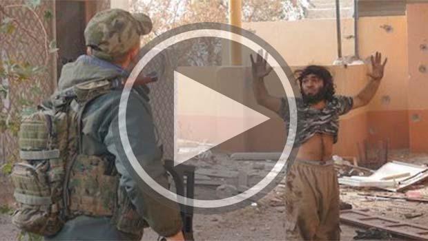 Peşmerge'nin IŞİD'liyi teslim alışı kameralara yansıdı