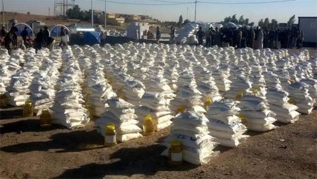 Barzani Yardım Vakfı'ndan Musullu çocuklara yardım