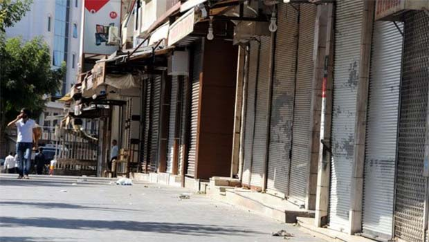 Diyarbakır'da 2 binden fazla işyeri kepenk kapattı