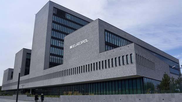 Europol: IŞİD yeni taktikler geliştirdi