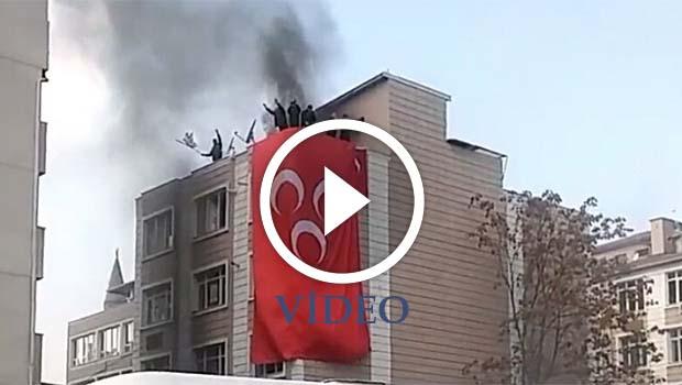 Kayseri'de HDP binasına 'dişe diş, kana kan' sloganları eşliğinde saldırı