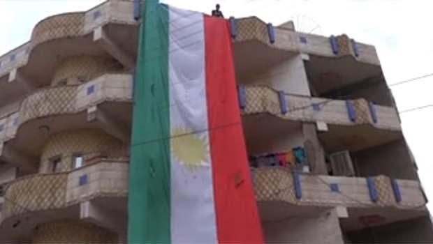 Rojava'da Kürdistan Bayrağı Günü