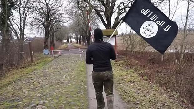 IŞİD bayrağıyla Danimarka'dan Almanya'ya geçti