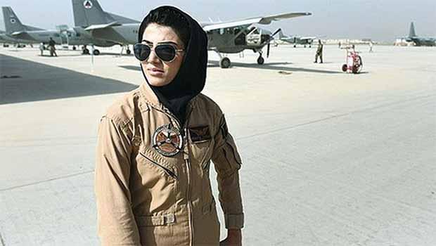 ABD tarafından 'Cesur Kadın' ödülüne layık görülen Pilot ülkesine dönemiyor'