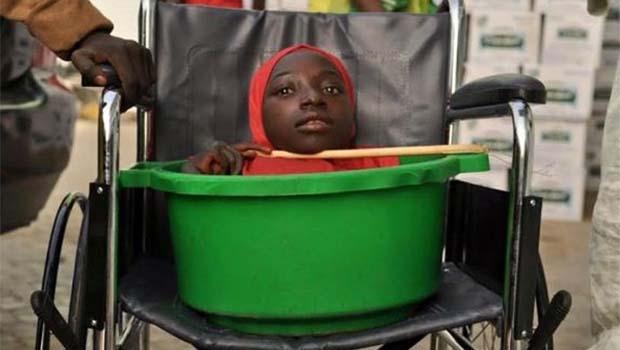 Plastik kovada yaşayan genç kızdan üzen haber