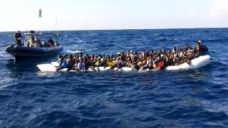 Akdeniz'de batan mülteci teknesinde 100'den fazla kayıp