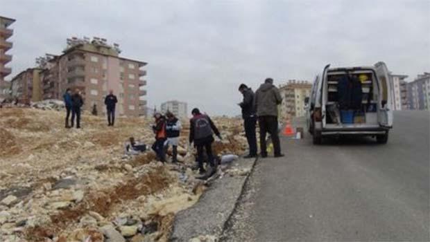 Antep'te yol kenarında erkek cesedi bulundu