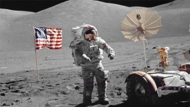 Ay'a çıkan son insan hayatını kaybetti
