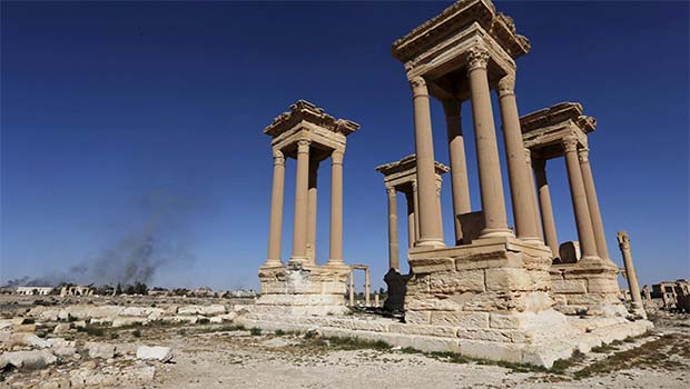 IŞİD bir tarihi daha yok etti!