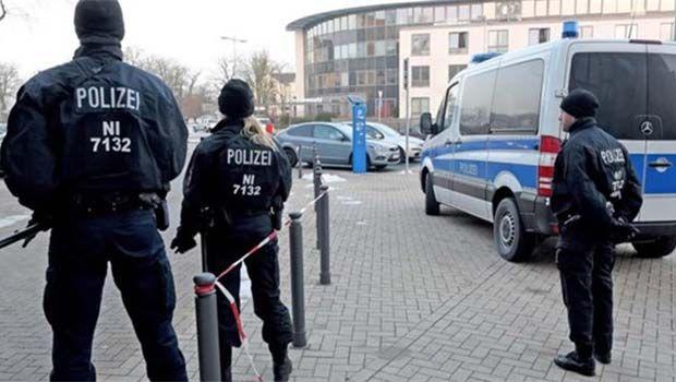 Almanya'da IŞİD'in emriyle polise saldıran kız çocuğuna 6 yıl hapis