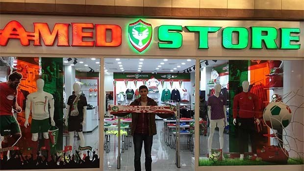 Amedspor ilk store mağazasını açtı