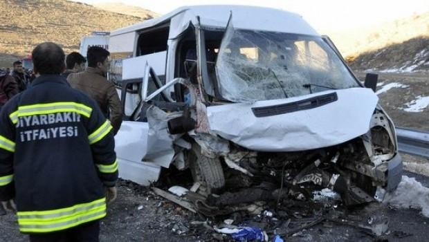 Diyarbakır'da feci kaza
