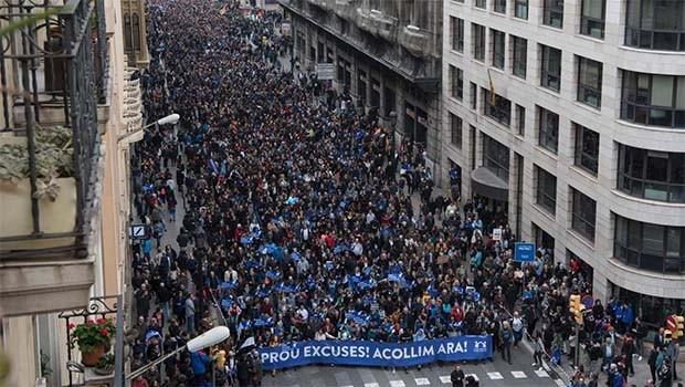 Barcelonalılar daha fazla mülteci için sokaklara döküldü