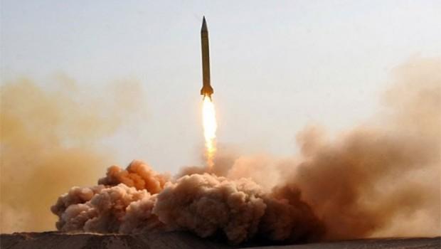 İran'dan yeni füze denemesi