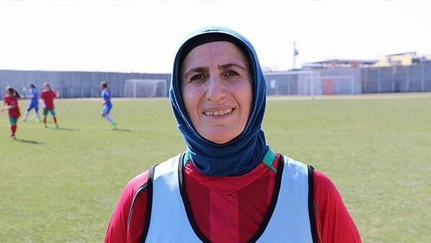 Diyarbakırlı kadının 35 yıllık futbol hayali gerçek oldu