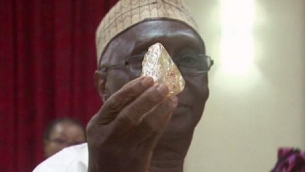 Dünyanın en büyük elmaslarından biri bulundu