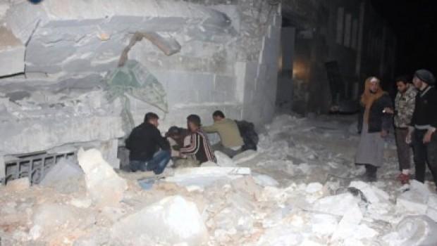 Suriye'de camiye hava saldırısı: En az 50 ölü