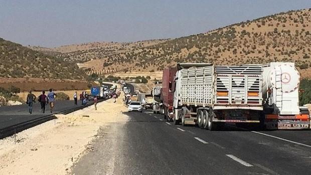 Diyarbakır-Mardin karayolu ulaşıma kapatıldı
