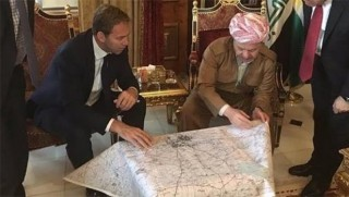 Başkan Barzani, İngiliz diplomatlarla harita başında!