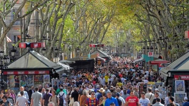 Barcelona'dan turistlere: Yeter lütfen gelmeyin