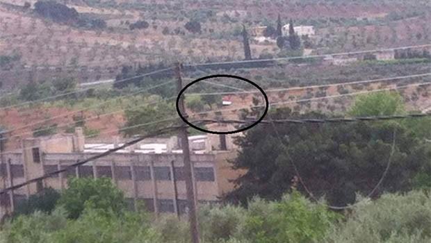 Efrin'de Suriye bayrağı asıldı