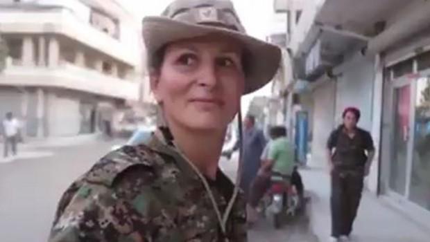 Kanadalı manken, Kobani'den görüntüsünü paylaştı