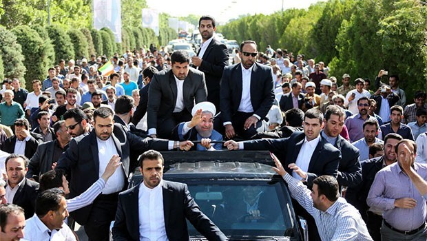 İran Cumhurbaşkanından Kürtçe eğitim sözü