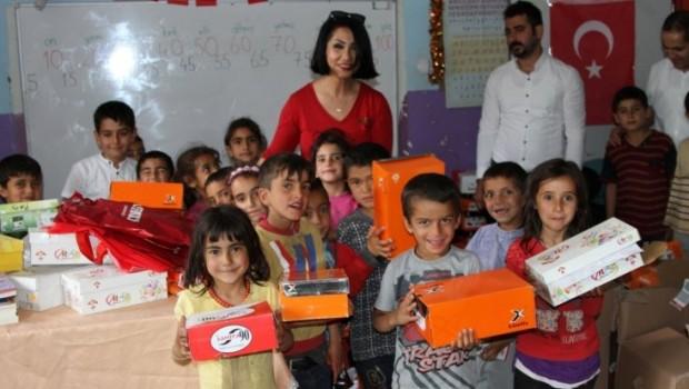 Kürt Sanatçı Rojin'in annelik sevdası