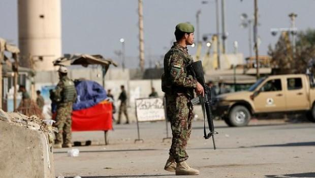 Libya'da hava üssüne saldırı: 141 ölü