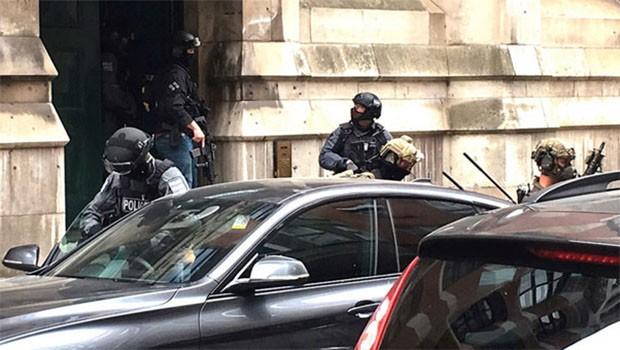 İngiltere'de yine terör alarmı, ordu birlikleri harekete geçti