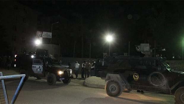 Van'da emniyet binasına roketli saldırı
