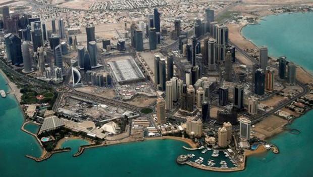 Bir ülke daha Katar'la ilişkisini kesti