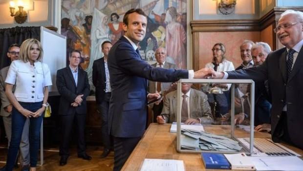 Fransa'da Macron'un partisi zafer kazandı