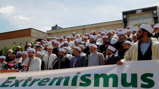 300 imamdan IŞİD'e 'kara koyun' kınaması