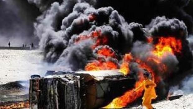 Pakistan'da yakıt tankeri faciası; 100'den fazla ölü