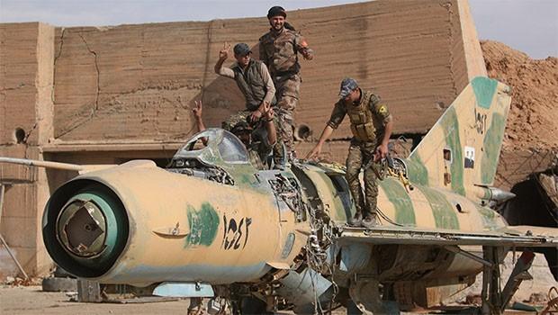 YPG, Tabka Hava Üssü'nü ABD'ye tahsis ediyor
