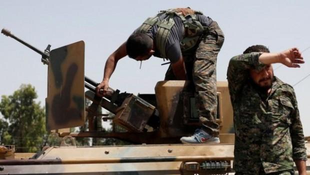 Reuters'a konuşan YPG komutanı: Türkiye'nin hazırlıkları 'savaş ilanı'